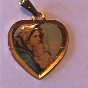 Jewelry - Vintage Lovely Madonna and Son pendant.